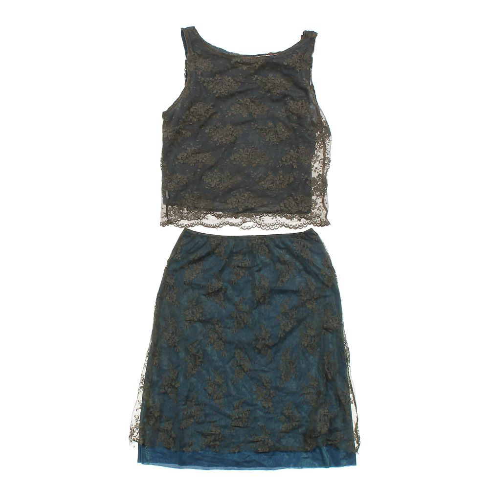 """Image of """"2 Piece Lace Outfit, size JR 3"""""""