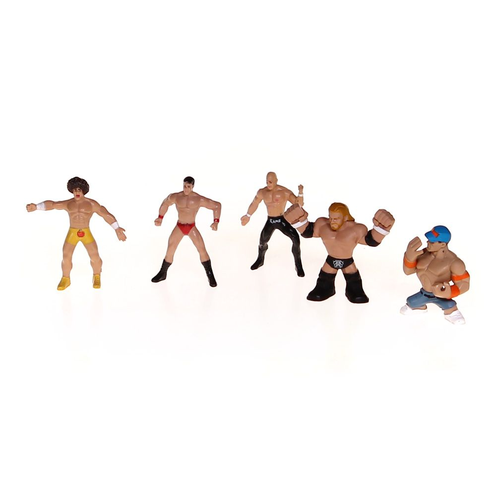 WWE Small Action Figures 6687674409