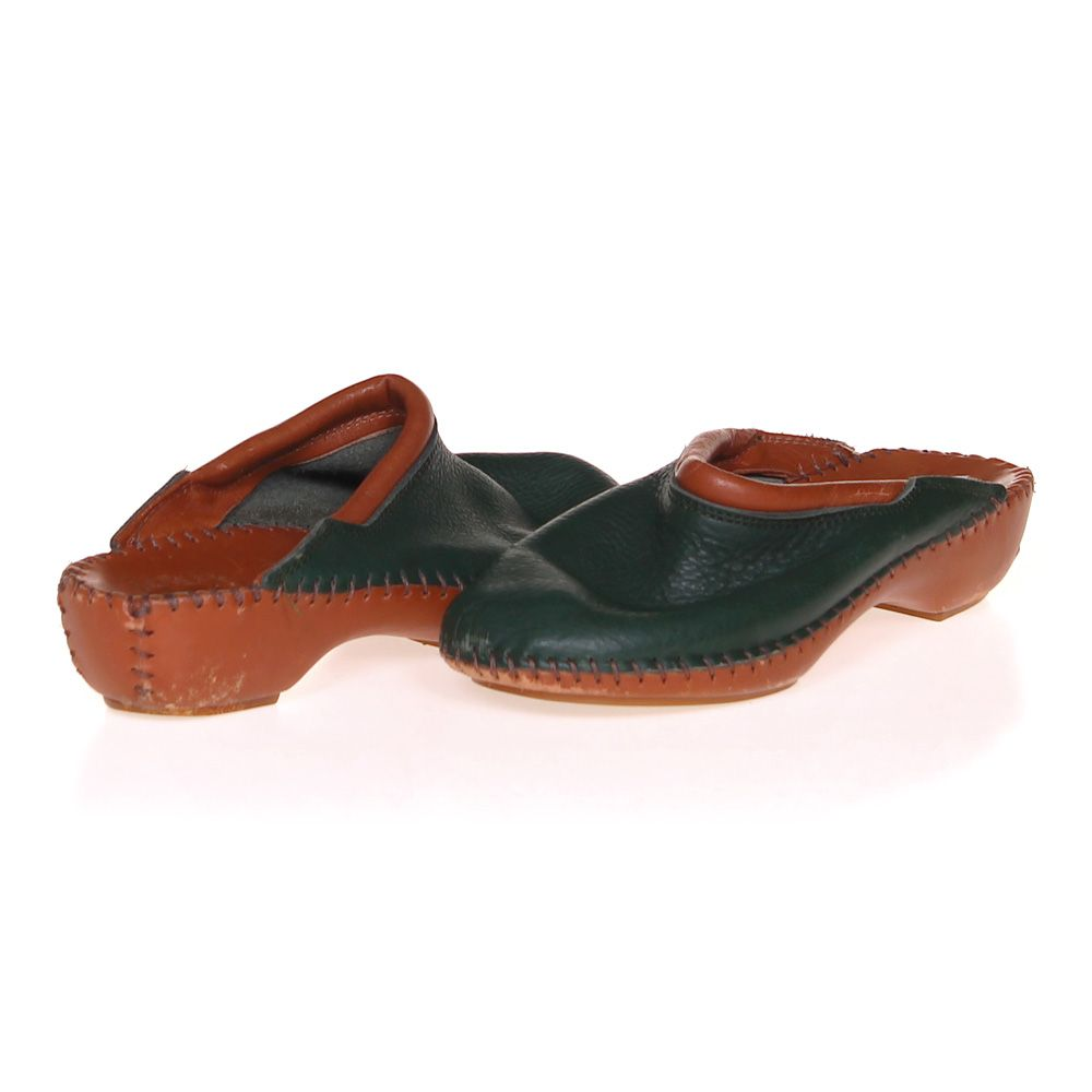 Clogs Size 6 Womens