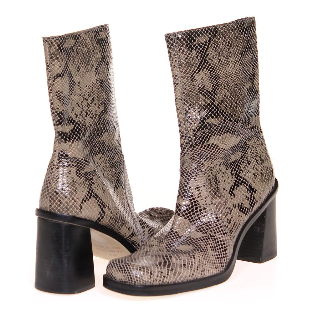 """Image of """"Boots, size 7.5 Women's"""""""