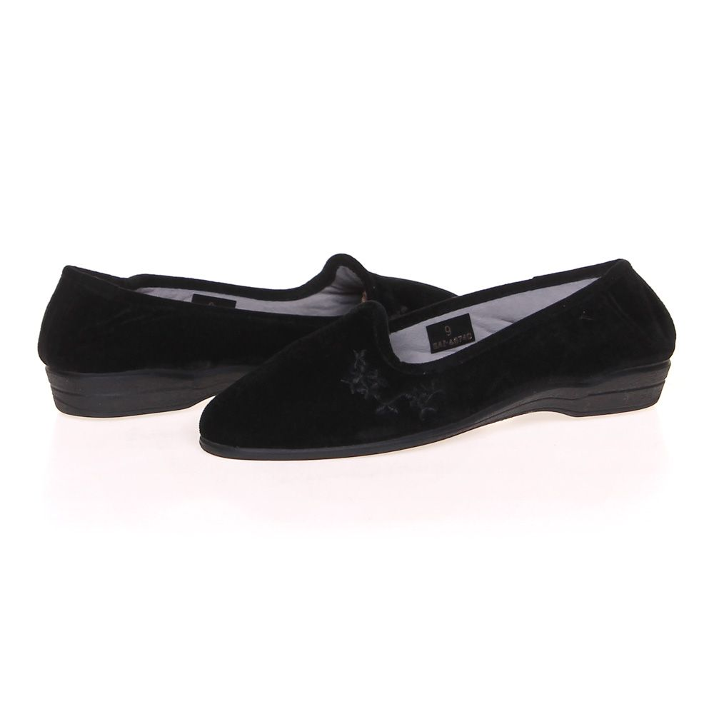 Hollow Out Breathable Pure Color Slip On Casual Flat Shoes