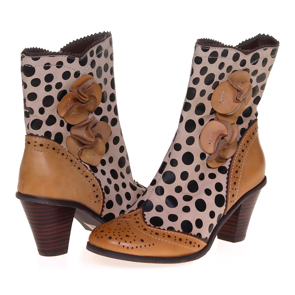 """Image of """"Boots, size 6.5 Women's"""""""