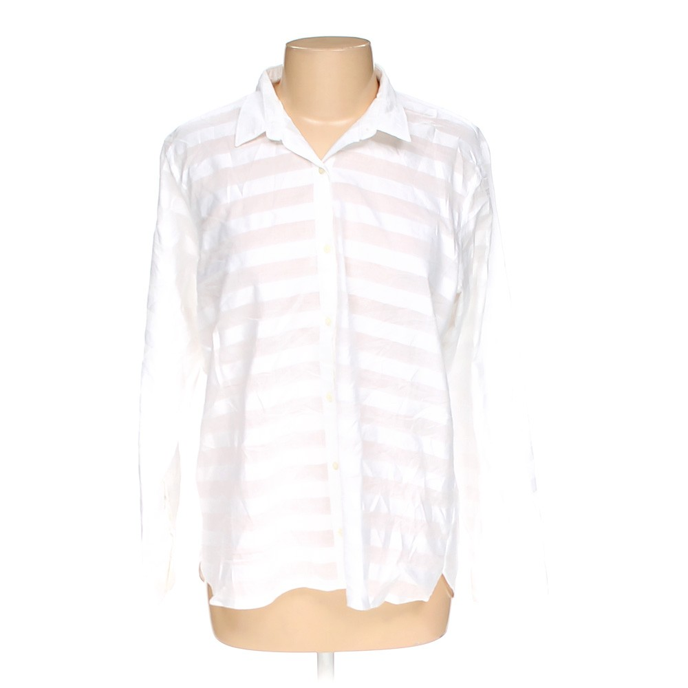 White gap button up shirt in size l at up to 95 off for Gap petite t shirts