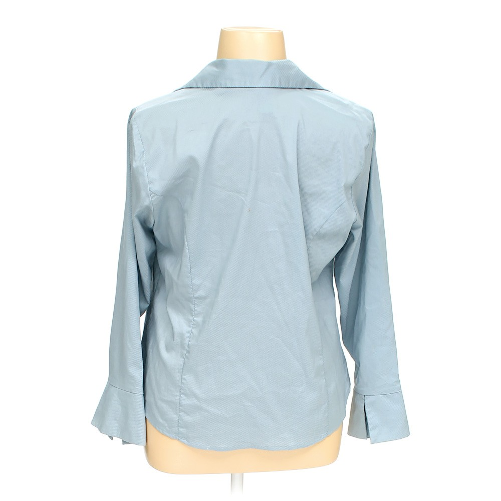 Light blue venezia button up shirt in size 14 at up to 95 for Plus size light blue shirt