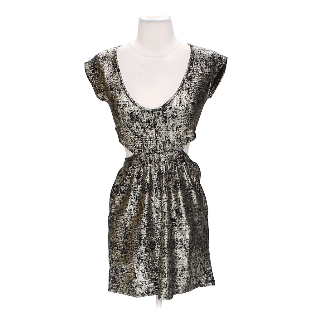 38ddf3bb4c7 Body Central Women  039 s Cut-out Dress