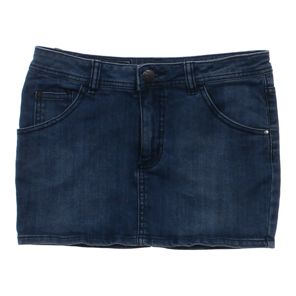light blue h m denim skirt in size 4 at up to 95